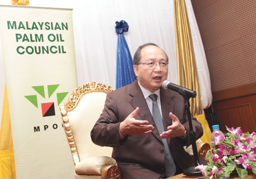 Malaysia's Minister of Plantation Industries and Commodities Mr Tan Sri Bernard Dompok speaks during a press conference in Yangon Thursday, November 1, 2012.  (Thiri Lu / The Myanmar Times)