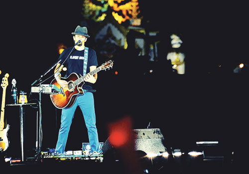 Jason Mraz performs in People's Square in Yangon on Sunday, December 16. (Ko Taik/The Myanmar Times)