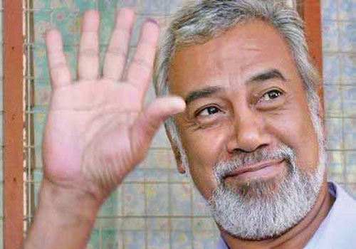 Timor Leste's Prime Minister Xanana Gusmao waves after voting in Dili in a 2007 election. Photo: AFP