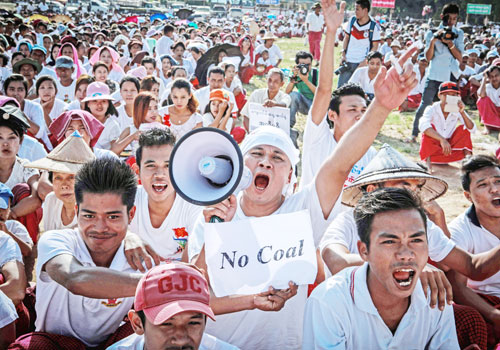 "No coal, no Toyo-Thai"": Earlier this year, Mon villagers rallied against a joint venture coal-fired power station project in Ann Dinn village, around 10 kilometres from the town of Ye. Photo: Wa Lone / The Myanmar Times"