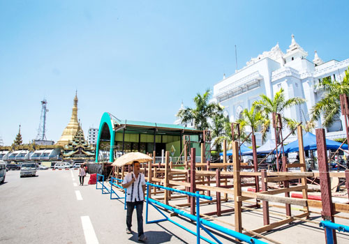 A pandal arises in front of Yangon City Hall. Photo: Zarni Phyo / The Myanmar Times