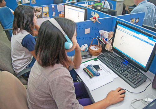 Facebook users log on in The Myanmar Times office. Photo: Aung Khant / The Myanmar Times