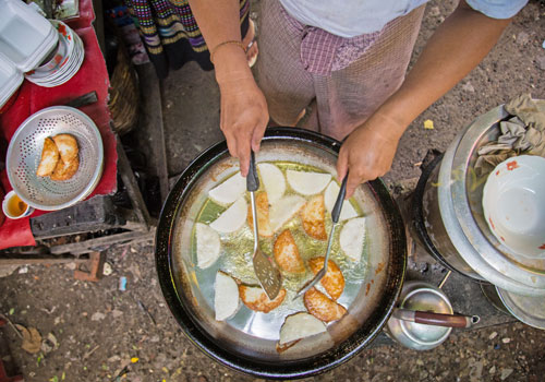 The aw kwae kyi is a fried mix of vegetables, with occasional meat toppings tossed in. (Aung Myin Yezaw/The Myanmar Times)
