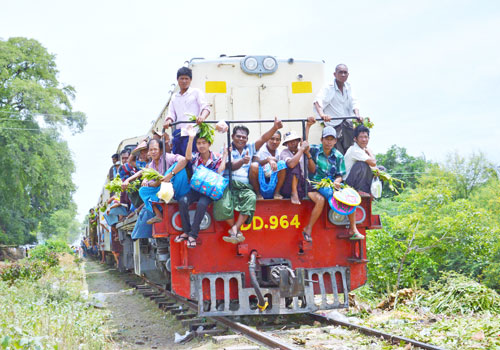 Commuters pack the Taungbyone train in Mandalay Region. Photo: Si Thu Lwin / The Myanmar Times