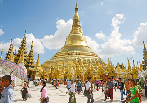Devotees visit Shwedagon Pagoda in November 2016. Photo: Aung Htay Hlaing / The Myanmar Times