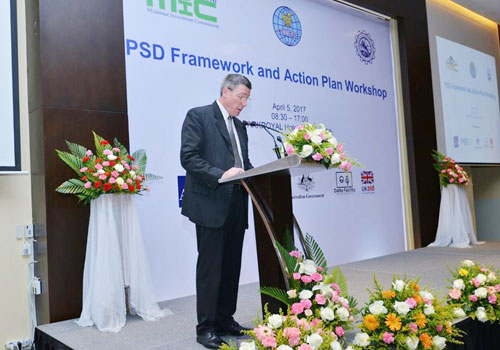Peter Brimble, team leader for the DaNa Facility, speaks at the PSD Framework and Action Plan Workshop on April 5 in Parkroyal Hotel, Yangon. DaNa Facility will ensure that the MBEI process will link with DaNa's ongoing efforts at supporting trade, investment, and private sector development in states and regions. Photo - Supplied