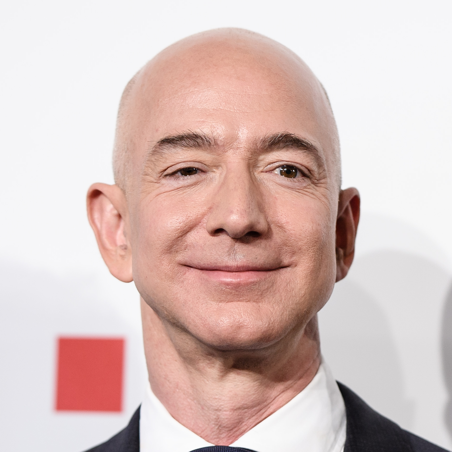 founder jeff bezos is richest person the