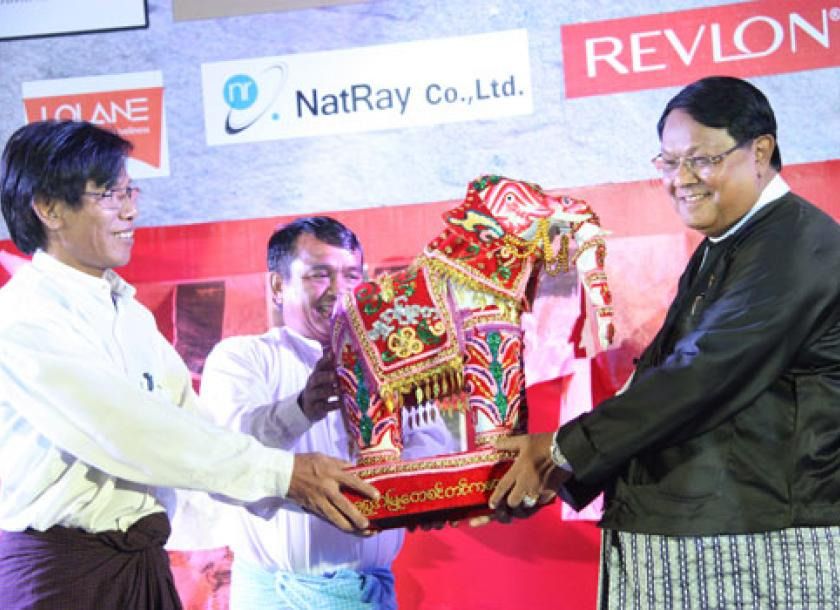 Double winners at the Shwe Amyu Tay literature awards | The Myanmar