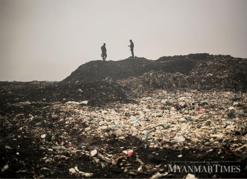 The Hteinpin dumpsite during a fire breakout in 2018. Zarni Phyo/The Myanmar Times