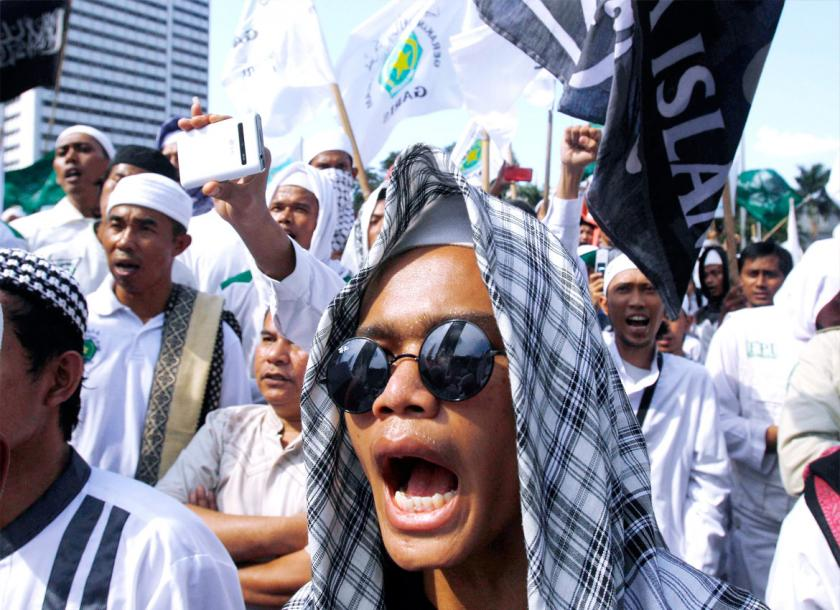 When disaster hits, Indonesia's Islamists are first to offer help ...