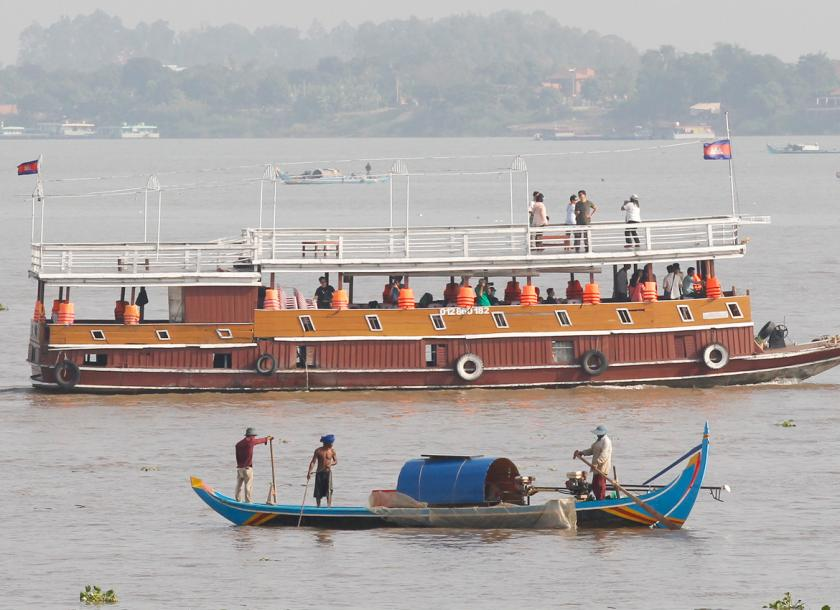 Eyeing Mekong dams, China lavishes cash on ally Cambodia